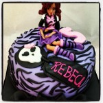Torta Monster High Loba Morada
